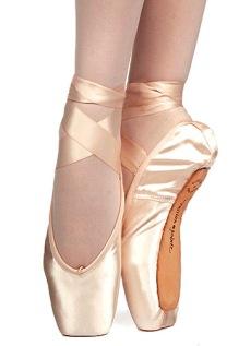 russian pointe muse pointe shoes v-cut,russian pointe ...: http://www.dancefashions.com/p-2196-russian-pointe-muse-v-cut-pointe-shoes.aspx